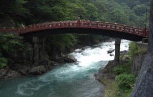 世界遺産の日光社寺群・朱色の神橋